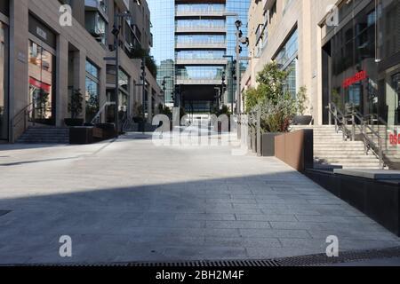 Milan en verrouillage pour l'urgence du Covid 19. Les boutiques sont fermées et les rues vides dans l'un des quartiers les plus branchés.