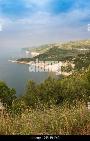 Italie, Mezzogiorno, Pouilles, Gargano, Provin Foggia, Vieste, Spiaggia di Vignanotica Banque D'Images