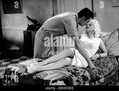 RAY DANTON, Mamie Van Doren, la beat generation, 1959