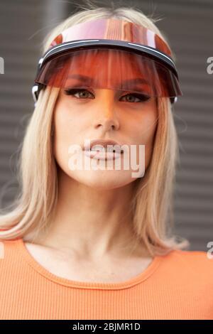 femme au style futuriste de la mode Banque D'Images