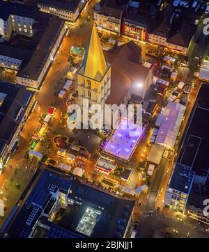 , marché de noël sur la place Marktplatz à l'église Pauluskirche à Hamm la nuit, 23.11.2016, vue aérienne, Allemagne, Rhénanie-du-Nord-Westphalie, région de la Ruhr, Hamm