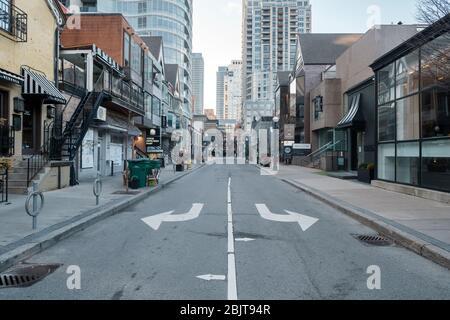 Centre-ville de Toronto pendant la pandémie de COVID-19 - rues vides de la ville