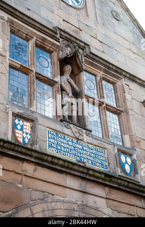 Détail de la vieille mairie de Shrewsbury Square, dans le centre historique de Shrewsbury, Shropshire, Angleterre. Banque D'Images