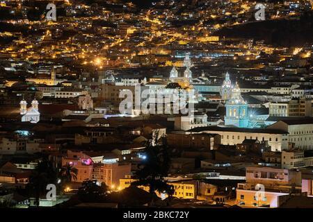 Vue de nuit sur Quito Equateur Banque D'Images