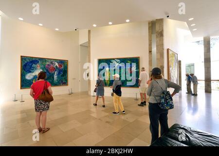 France, Alpes Maritimes, Nice, Musée National de Marc Chagall par l'architecte André Hermant et créé à l'initiative d'André Malraux, salle des peintures du message biblique Banque D'Images