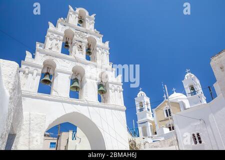 eglise et clocher de Santorin, Grèce, Cyclades, Santorin