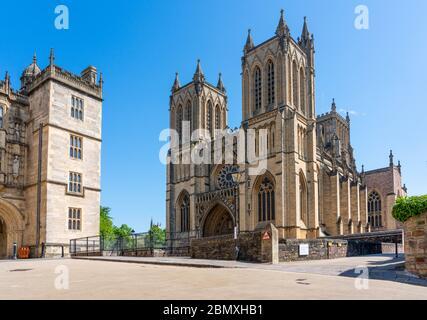 Cathédrale de Bristol et porte de l'abbaye de St Augustine à Bristol, Royaume-Uni