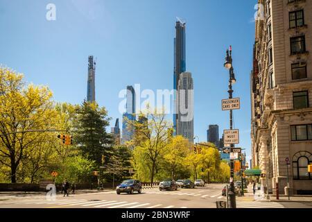BillionaireÕs Row, une collection de résidences de très grande taille pour les uber-riches, principalement sur la 57e rue ouest, vu de Central Park West, le samedi 2 mai 2020. (© Richard B. Levine) Banque D'Images