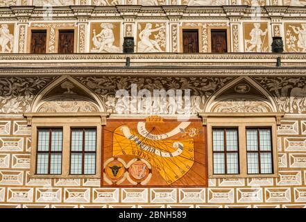 Sundial, sgraffito art travail au château de Litomysl, XVIe siècle, style Renaissance, site classé au patrimoine mondial de l'UNESCO, à Litomysl, Bohême, République tchèque Banque D'Images