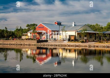 Gare et café et étang, Tingley Beach, Albuquerque, Nouveau-Mexique, États-Unis Banque D'Images