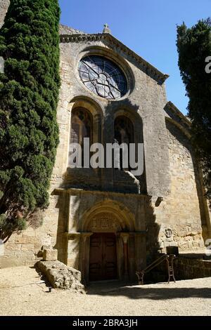 Vue extérieure de l'église de l'Abbaye Sainte-Marie de Fontfroide ou de l'abbaye de Fontfroide près de Narbonne, département de l'Aude, Occitanie, France, Banque D'Images