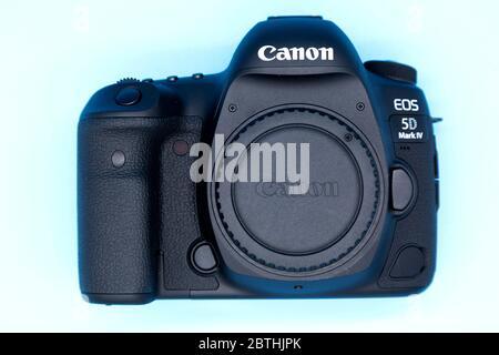 Boîtier d'appareil photo Canon 5D Mark IV. Il s'agit d'un appareil photo reflex numérique plein format à objectif unique (D-SLR). Banque D'Images