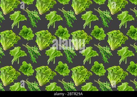 Motif sans couture de feuilles de salade fraîches sur fond gris Banque D'Images