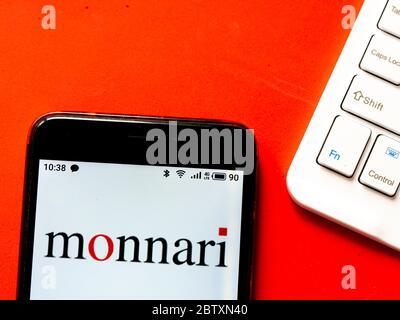 Ukraine. 28 mai 2020. Sur cette photo, un logo Monnari apparaît sur un smartphone. Crédit: Igor Golovniov/SOPA Images/ZUMA Wire/Alamy Live News Banque D'Images