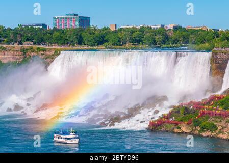 American Falls et Bridal Veil Falls, Niagara Falls, État de New York, États-Unis d'Amérique et Ontario, Canada, Amérique du Nord