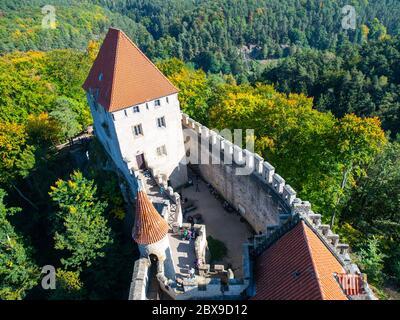 Château médiéval de Kokorin. Vue depuis la tour principale, Kokorinsko, République tchèque