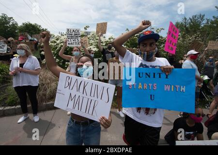 06 juin 2020 - Newtown, Pennsylvanie, États-Unis - BLM, Black Lives Matter Protest, manifestation après le meurtre de George Floyd à Minneapolis.