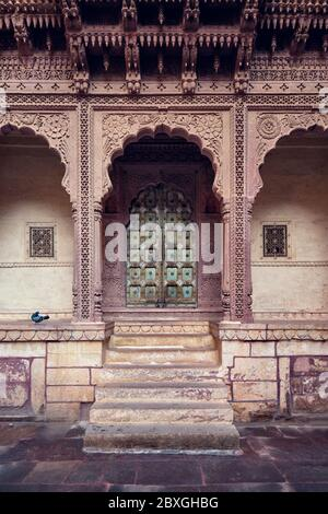 Porte voûtée du fort Mehrangarh. Jodhpur, Rajasthan, Inde