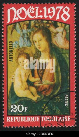 RÉPUBLIQUE TOGOLAISE -VERS 1978: Timbre imprimé par le Togo, montre photo, Vierge et enfant, vers 1978. Banque D'Images