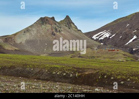 Paek Camel au pied du volcan Avacha ou Avachinskaya Kawa sur la péninsule du Kamtchatka Banque D'Images