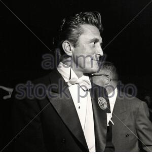 KIRK Douglas (Ispar Danielovitch; 1916 – 2020) était un acteur, producteur, réalisateur, philanthrope et écrivain américain. Banque D'Images