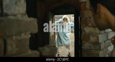 GULABO SITABO, Amitabh Bachchan, 2020. © Amazon / Courtesy Everett Collection