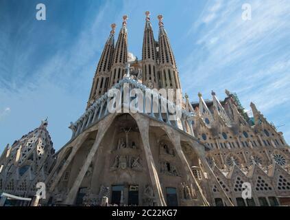 Basilique de l'église de la Sagrada Familia conçue par Antoni Gaudi, son travail sur le bâtiment fait partie du site classé au patrimoine mondial de l'UNESCO, Barcelone, Espagne