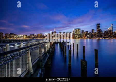 Coucher du soleil à Midtown Manhattan, New York, United States