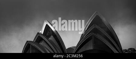 L'Opéra de Sydney le matin d'une brumeuse Banque D'Images