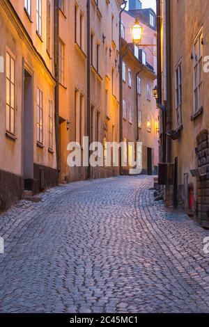 Regardez le long d'un vide Gamla Stan, Stockholm, Suède pendant la crise du virus Corona. Banque D'Images