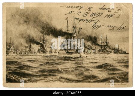 Carte postale historique allemande : manœuvres de la Marine impériale allemande, une armada de navires de guerre dans la campagne. Inscription manuscrite. Empire allemand.