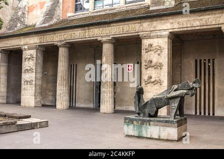 Nurnberg, Allemagne: L'entrée du Musée national allemand de Nuremberg (Germanisches Nationalmuseum). Banque D'Images