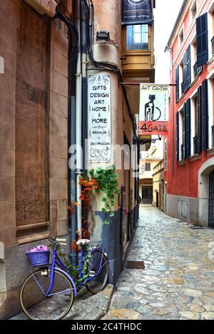 Palma de Majorque, Espagne – 12 mai 2018: 4 Cats Art Gallery dans une ruelle étroite sur la plus grande île des Baléares de Majorque, au large de la côte espagnole. Banque D'Images
