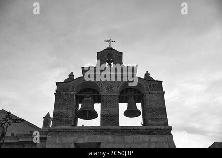 Cloches sur la cathédrale de Santa Maria la Menor. C'est la plus ancienne cathédrale des Amériques. Saint-Domingue, République dominicaine.