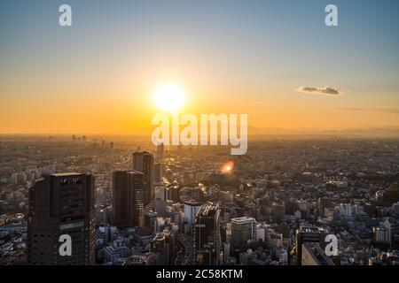 Tokyo, Japon - 16 novembre 2019 : ouverture de la place Shibuya Scramble en novembre 2019 à Shibuya, Tokyo, Japon. Le toit 'Sebuya Sky' peut prendre du charg Banque D'Images