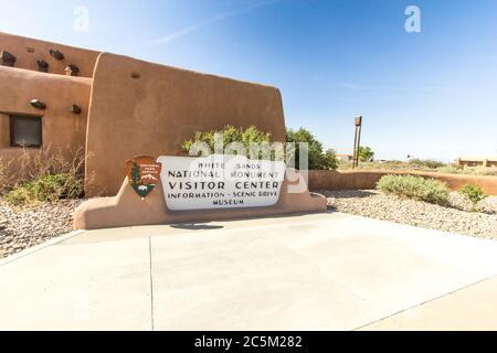 Alamogordo, Nouveau-Mexique, États-Unis - 28 avril 2019 : entrée au centre d'accueil du monument national de White Sands au Nouveau-Mexique.