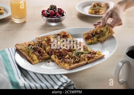 Pizza petit déjeuner Banque D'Images