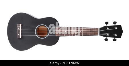 Guitare noire isolée sur fond blanc, horizontale.
