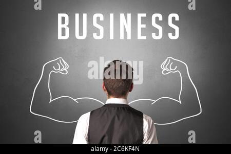 Vue arrière d'un homme d'affaires avec inscription PROFESSIONNELLE, concept commercial puissant
