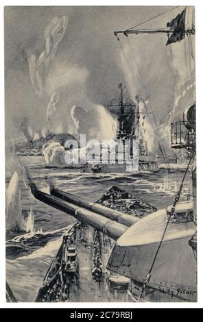 Carte postale historique allemande : bombardement de Scarborough par des navires de guerre allemands. Des fusils de calibre principal sont en train de tirer à la ville anglaise, le 16 décembre 1914