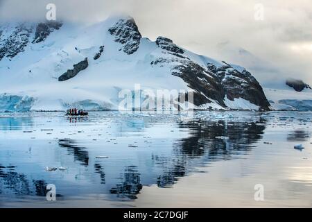 Paysage près de la station Almirante Brown base estivale Argentine dans la péninsule Antarctique Antarctique régions polaires, Antarctique, Paradise Harbour aka P Banque D'Images