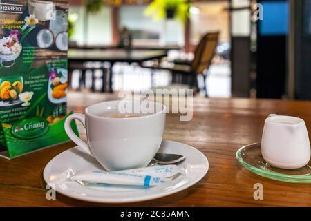 Café et menu au restaurant thaïlandais pendant la pandémie Covid 19, Bangkok, Thaïlande
