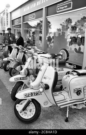 Septembre 2019 - Collection de scooters à moteur au Goodwood Revival Banque D'Images