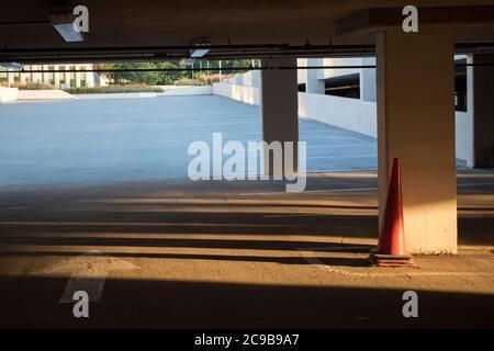 Garage Parking vide