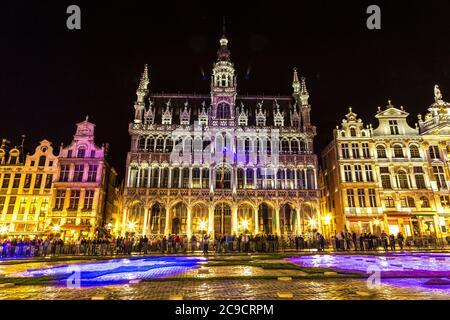La Grand place de nuit à Bruxelles, Belgique