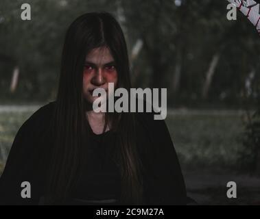 Portrait de la femme démon fantôme démon horreur costume et effrayant, heureux Halloween concept de jour Banque D'Images