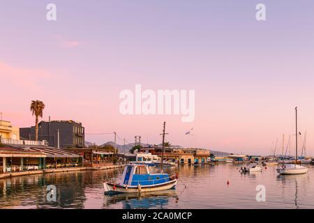 Athènes, Grèce - 15 novembre 2019: Avis de Mikrolimano marina au Pirée. Banque D'Images