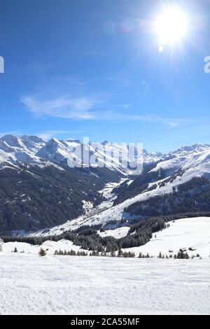 Autriche - Mayrhofen montagnes hiver ski dans le Tyrol. Alpes centrale autrichienne. Banque D'Images