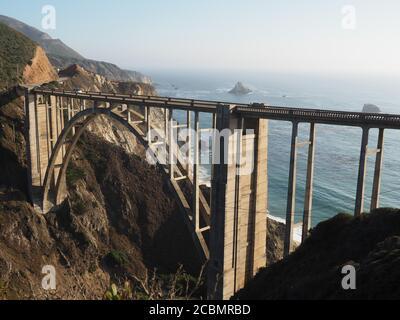 Photo aérienne du pont de Bixby Creek en Californie