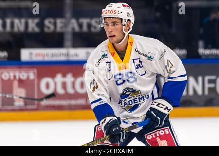 Anton Gradin # 88 (EVZ Academy) pendant la préparation de la Ligue nationale et suisse de hockey sur glace entre EV Zug et EVZ Academy le 16 août 2020 dans le Bossard Arena à Zug. Crédit: SPP Sport presse photo. /Alamy Live News